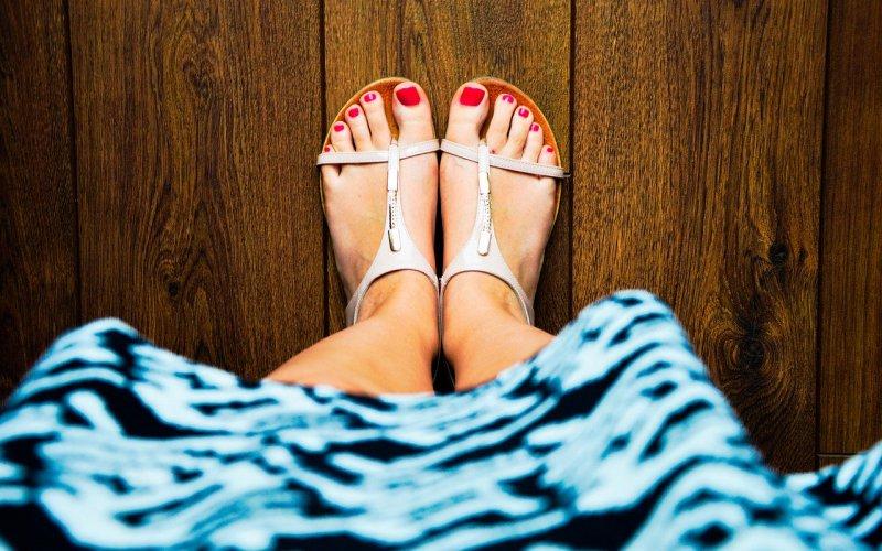 sandały i stopy